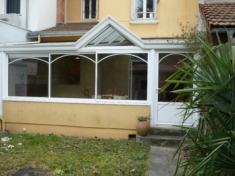 Location maison / villa Bron 1545€ CC - Photo 9