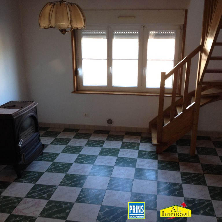 Location maison / villa Quernes 660€ CC - Photo 5