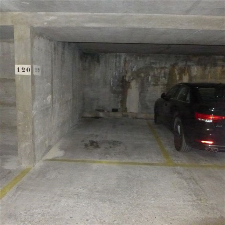 Location parking Paris 15ème 80€ CC - Photo 2