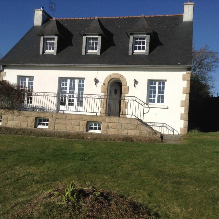Sale house / villa Glomel 132980€ - Picture 1