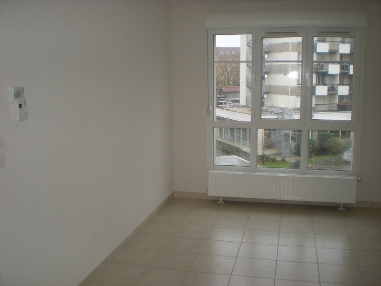 Rental apartment Villeurbanne 724€ CC - Picture 2