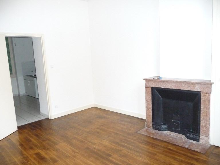 Rental apartment Lyon 3ème 441€ CC - Picture 1