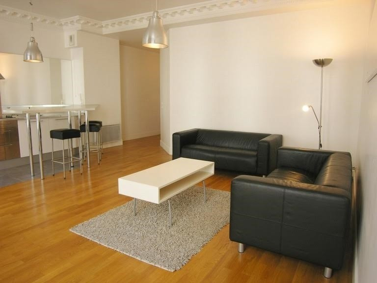 Location appartement Paris 1er 3 000€ CC - Photo 3
