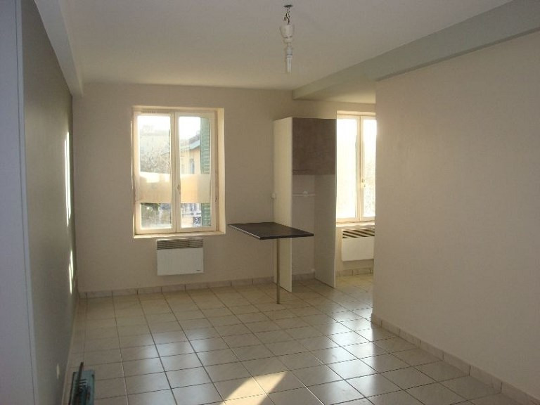 Location appartement Craponne 665€ CC - Photo 2