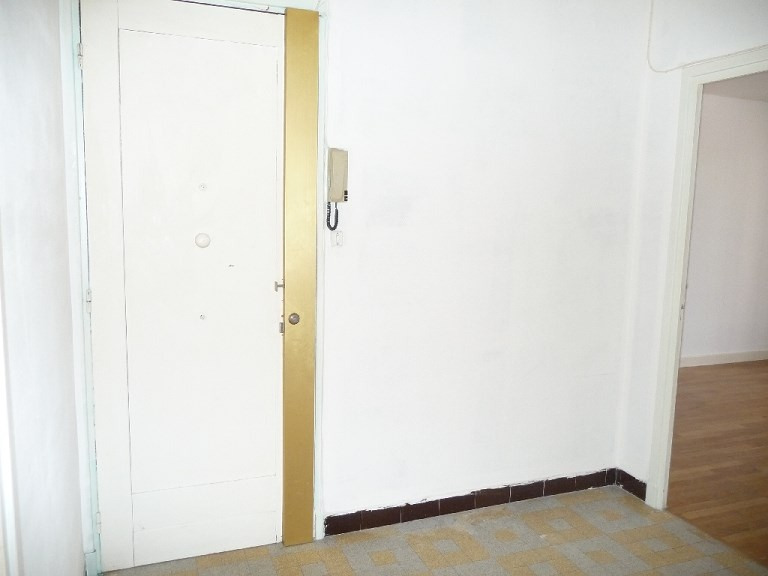 Verhuren  appartement Lyon 8ème 865€ CC - Foto 5