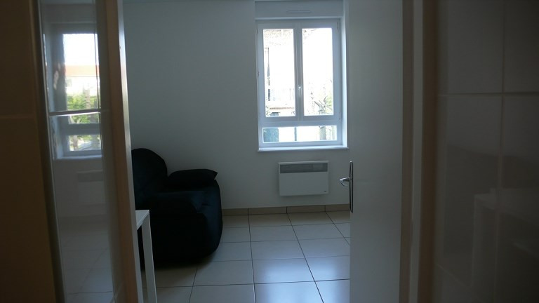 Location appartement Lyon 3ème 469€ CC - Photo 3