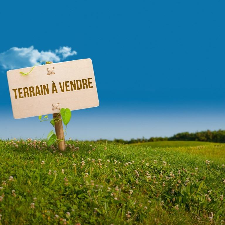 Vente terrain Saint piat 10700€ - Photo 1