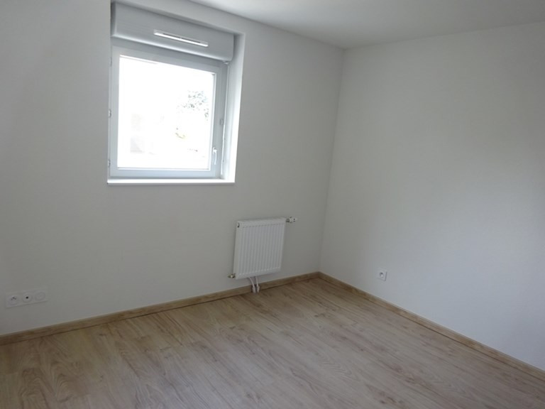 Rental apartment Bron 630€ CC - Picture 1