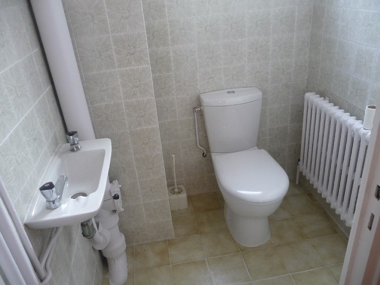 Rental house / villa Venissieux 1319€ CC - Picture 4