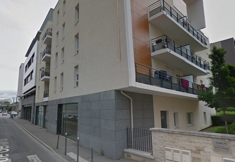 Rental parking spaces Lyon 7ème 375€ CC - Picture 1