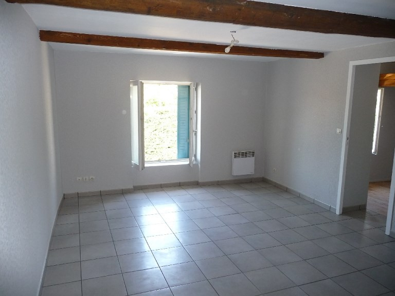 Rental apartment Craponne 560€ CC - Picture 1