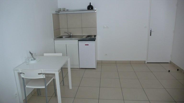 Rental apartment Lyon 3ème 480€ CC - Picture 1