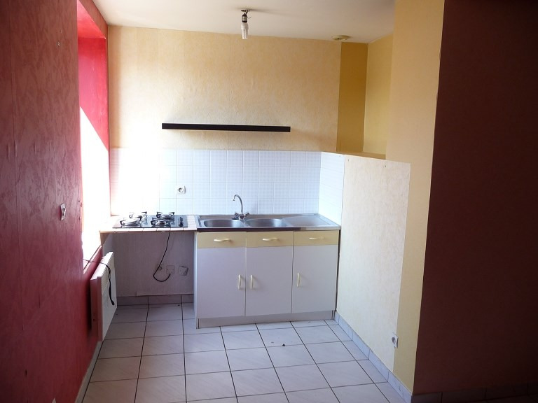 Rental apartment Craponne 655€ CC - Picture 2