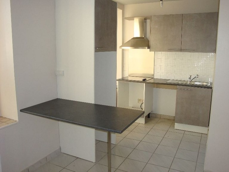 Location appartement Craponne 665€ CC - Photo 1