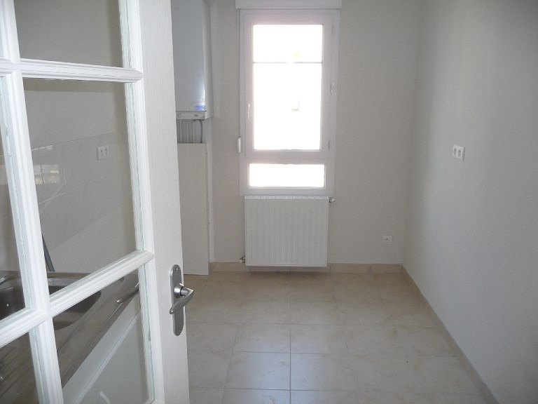 Rental apartment Villeurbanne 726€ CC - Picture 4