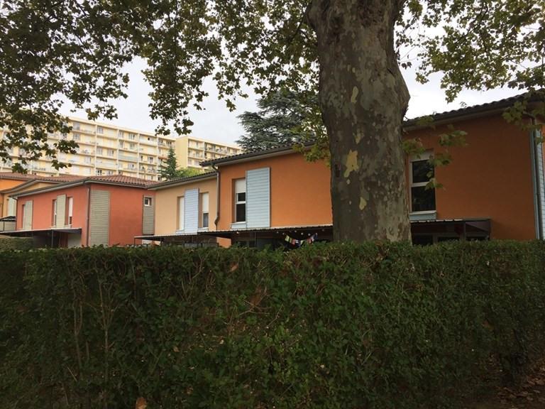 Rental house / villa Neuville sur saone 1000€ CC - Picture 7