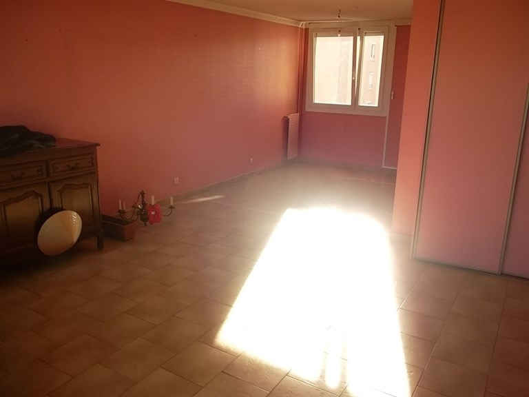 Sale apartment Lyon 8ème 165 000€ - Picture 4