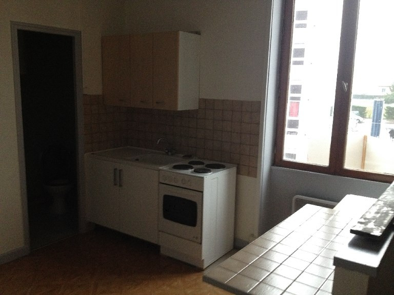 Location appartement Vaulx en velin 507€ CC - Photo 1