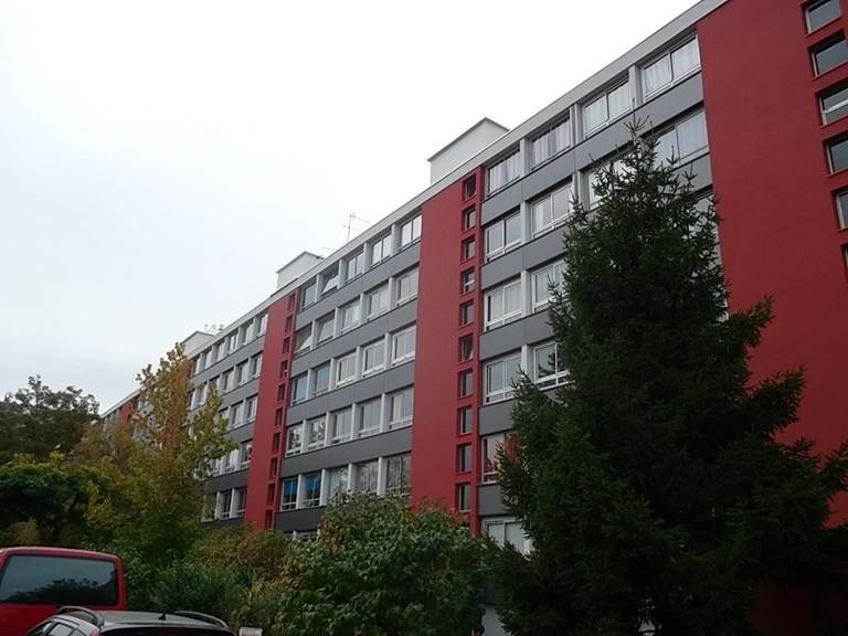 Sale apartment Ste foy les lyon 140 000€ - Picture 2