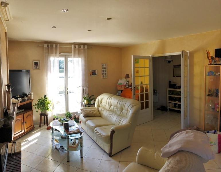 Sale house / villa Les artigues de lussac 191000€ - Picture 2