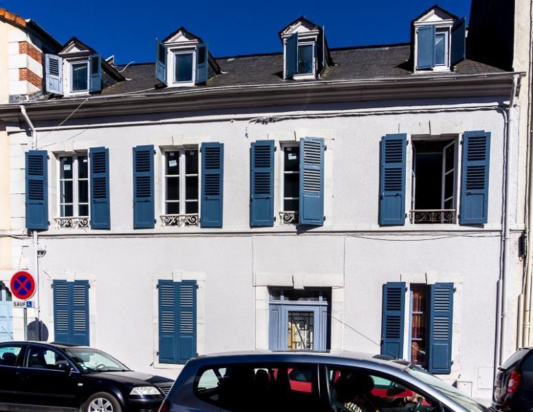 vente appartement 2 pi ce s pau 40 m avec 1 chambre. Black Bedroom Furniture Sets. Home Design Ideas