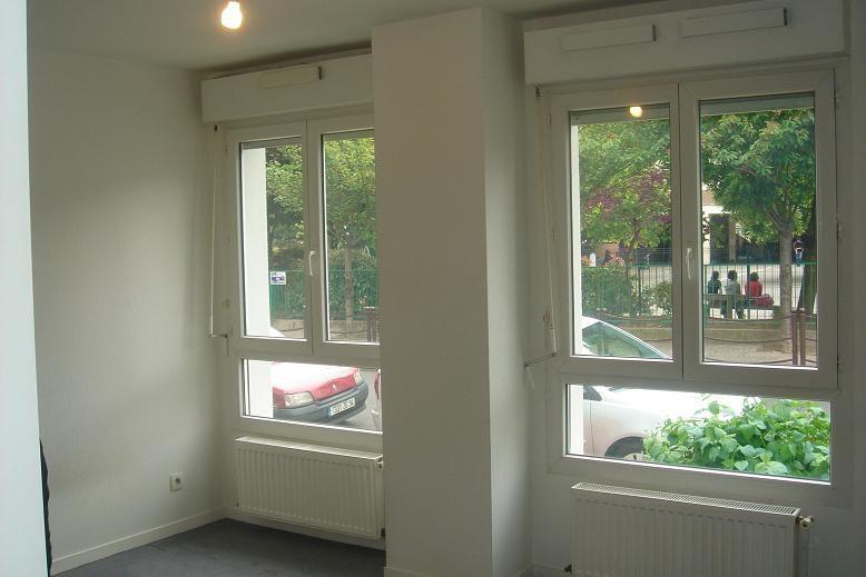Location appartement Charenton-le-pont 710€ CC - Photo 2