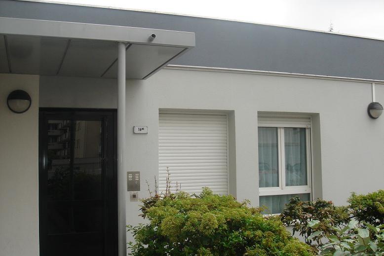 Location appartement Charenton-le-pont 710€ CC - Photo 1