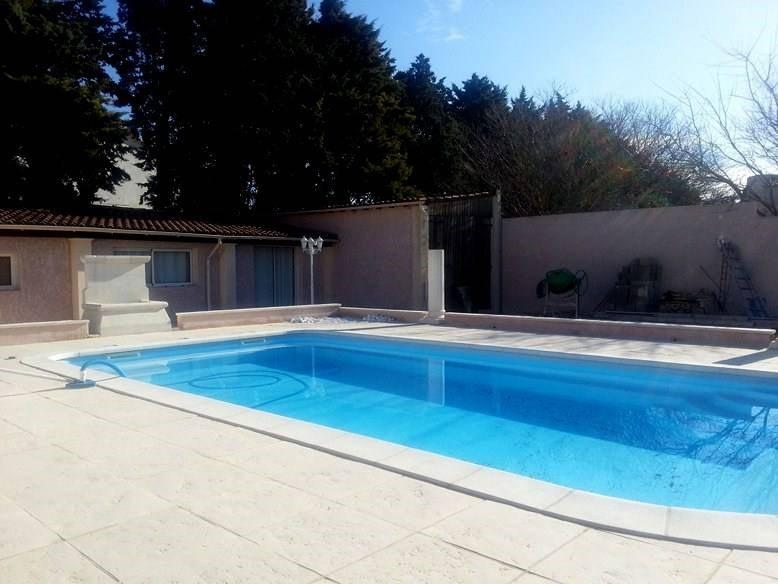Rental house / villa Rochefort-du-gard 1550€ CC - Picture 1