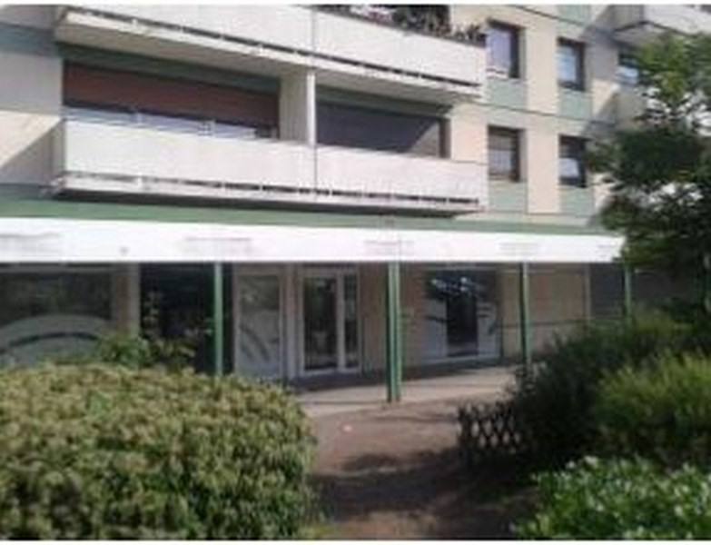 Sale office Le mans 130 000€ - Picture 1
