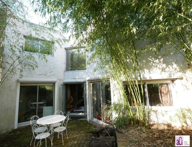 Sale house / villa L hay les roses 650000€ - Picture 1