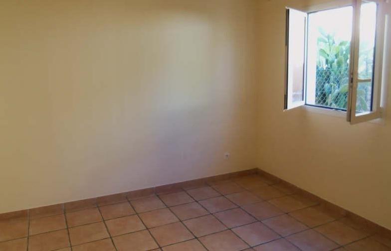 Rental apartment St francois 1100€ CC - Picture 5
