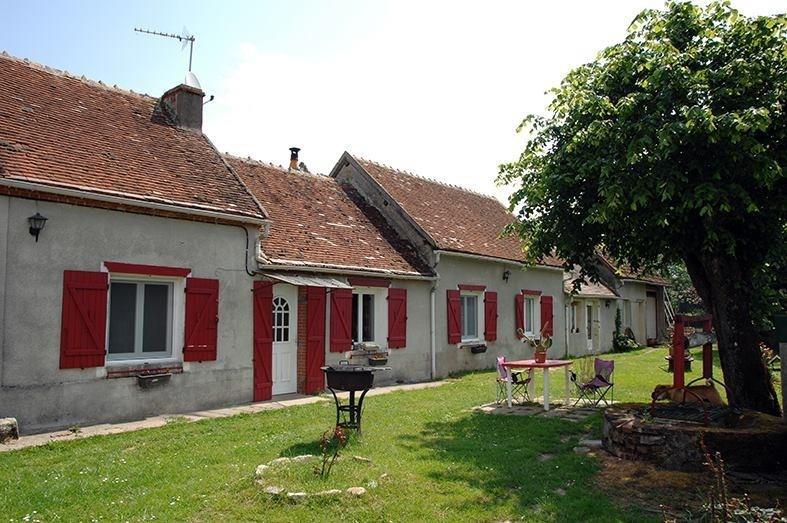 Sale house / villa Lurcy levis 111300€ - Picture 1