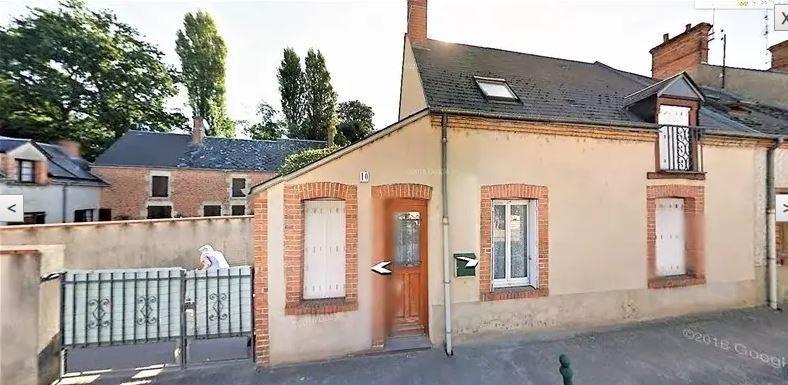 Sale house / villa Tigy 149500€ - Picture 1