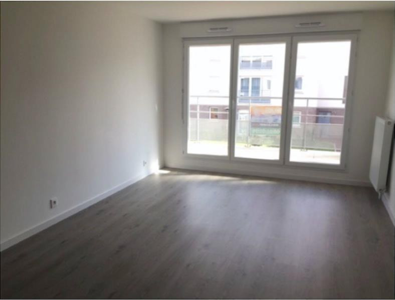 Rental apartment Montlhery 882€ CC - Picture 1