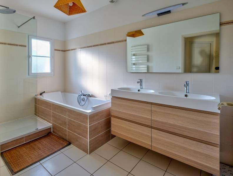 Sale house / villa Ste foy 397100€ - Picture 7