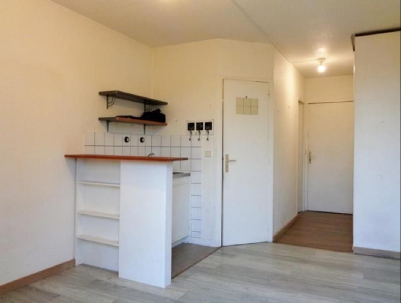 Rental apartment Forges les bains 480€ CC - Picture 1
