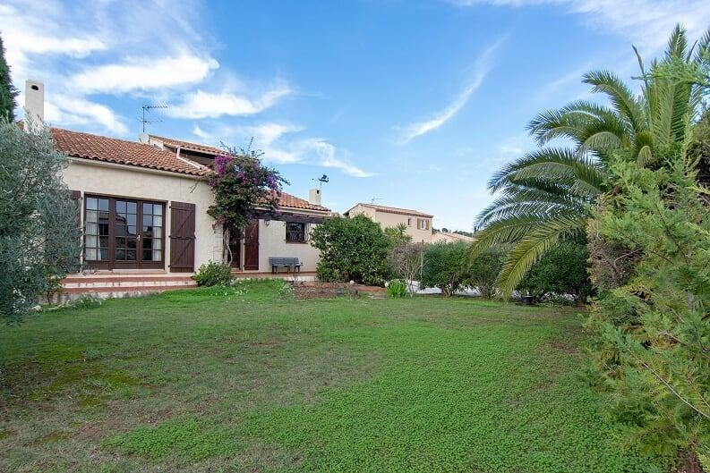 Vente maison / villa Hyeres 574700€ - Photo 4