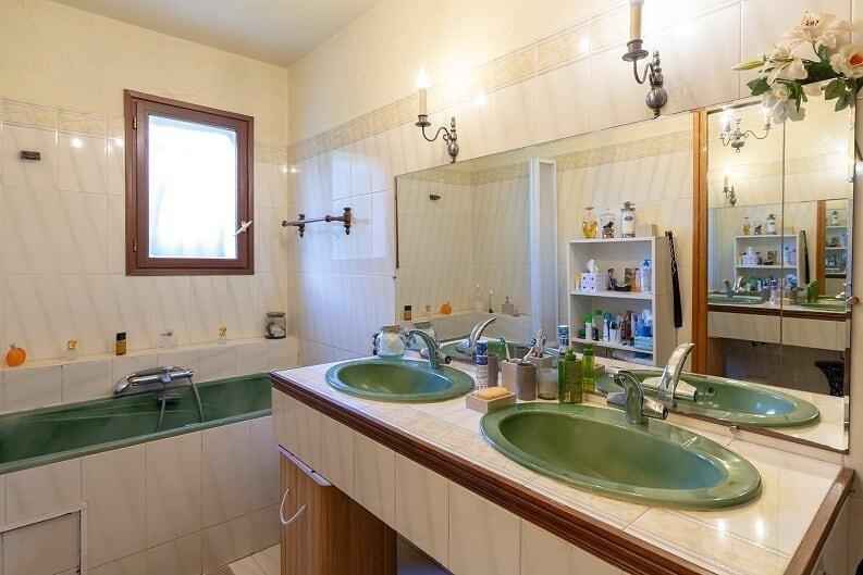 Vente maison / villa Hyeres 574700€ - Photo 8