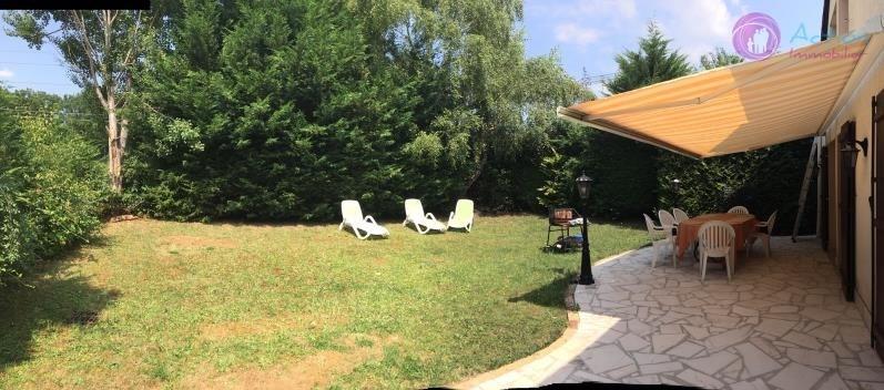 Sale house / villa Lesigny 398000€ - Picture 1
