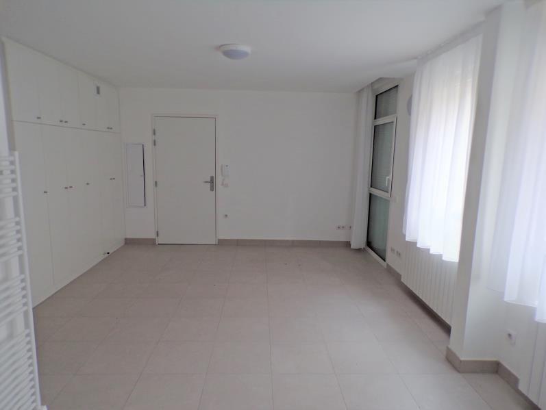 Sale apartment Guyancourt 168000€ - Picture 3