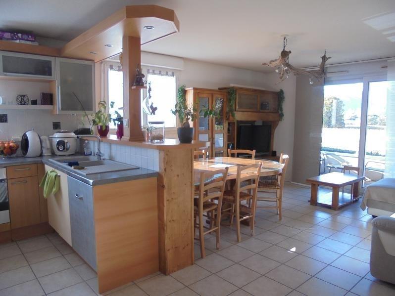 Sale apartment Thyez 207000€ - Picture 2