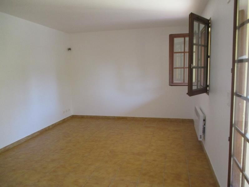 Rental apartment Salon de provence 624€ CC - Picture 5