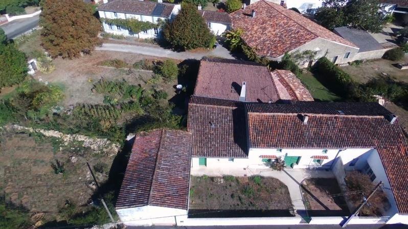 Vente maison / villa Gemozac 527850€ - Photo 10