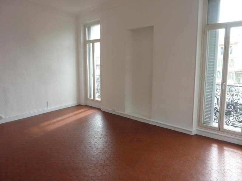 Location appartement Marseille 6ème 610€ CC - Photo 2