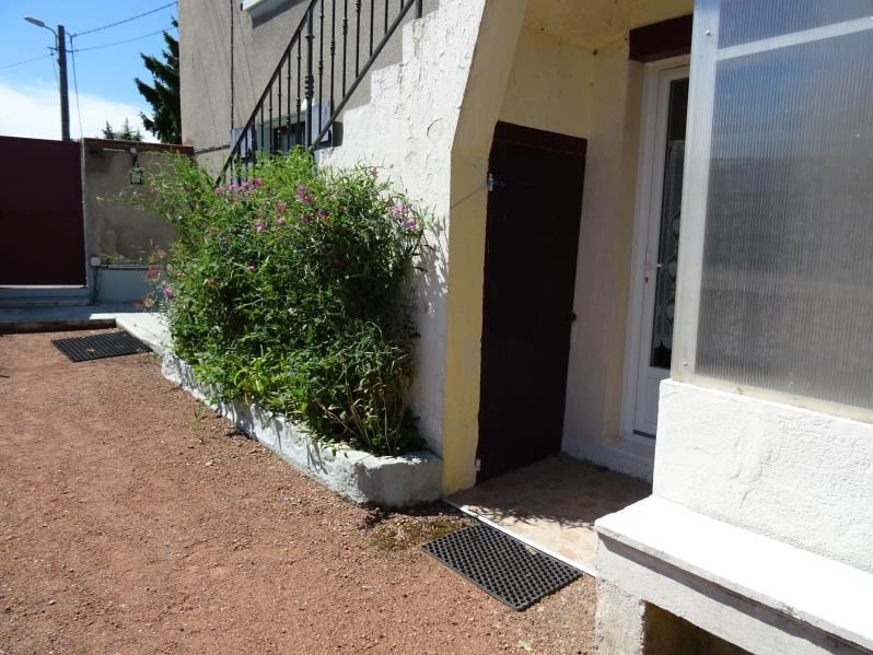 Rental apartment Riorges 305€ CC - Picture 3
