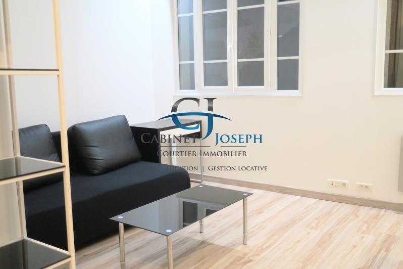 Sale apartment Paris 10ème 281000€ - Picture 2