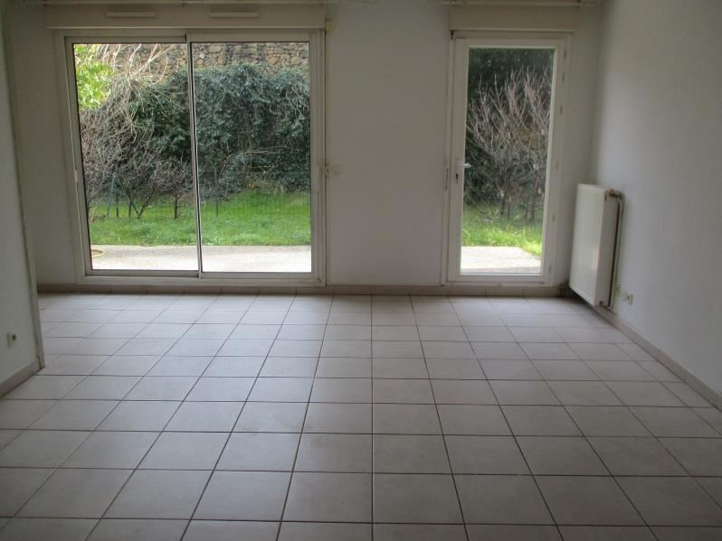 Rental apartment Salon de provence 695€ CC - Picture 3