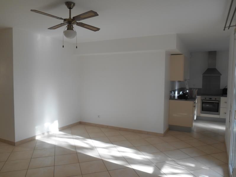 Location appartement Saint andre les vergers 662€ CC - Photo 1