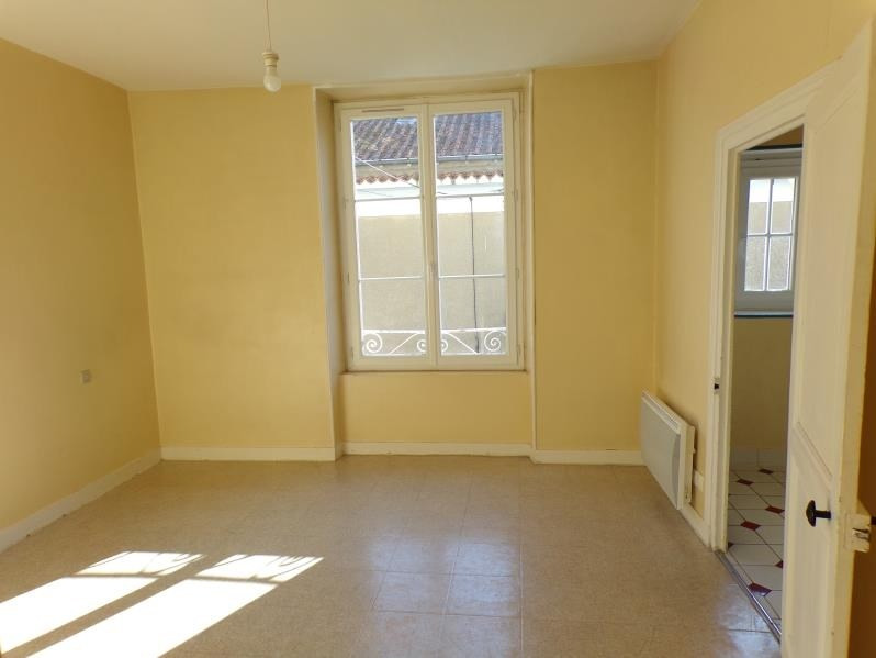 Location appartement Poitiers 393€ CC - Photo 1