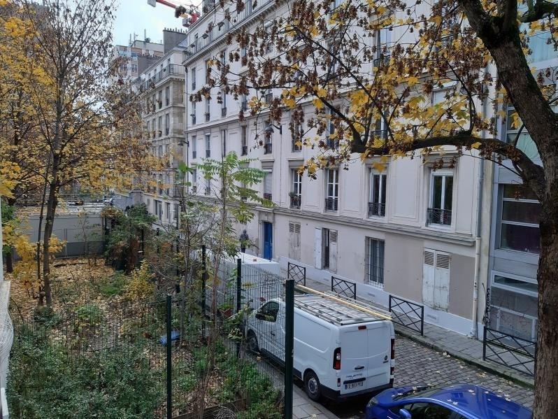 Rental apartment Paris 18ème 990€ CC - Picture 2